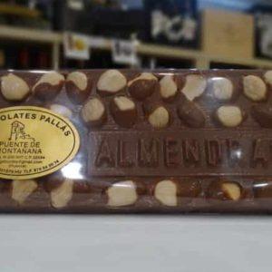 Chocolate con leche y almendras